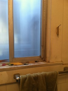 Leonard's bathroom. Quite a few pencils on the windowsill.